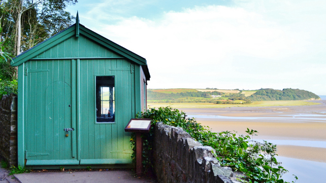 dylan-thomas-writing-shed